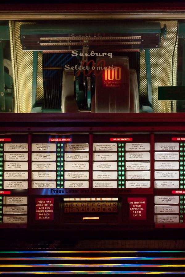Vintage Seeburg Jukebox at The Cruise Room