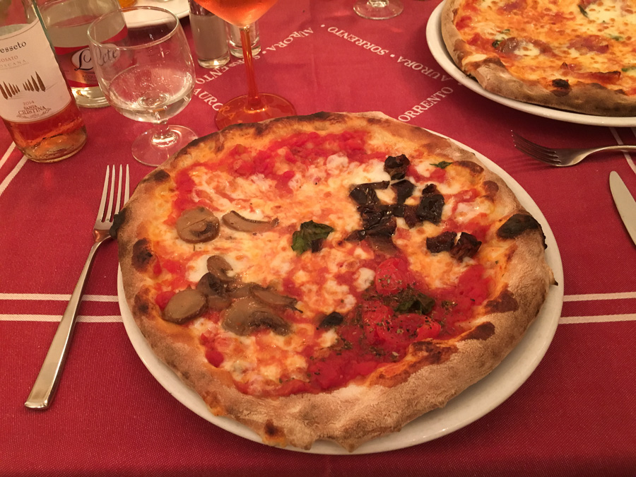 pizza pizzeria aurora sorrento italy