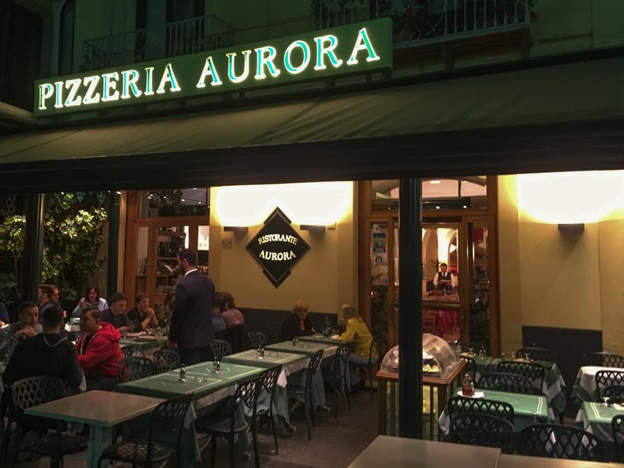 entrance pizzeria aurora sorrento italy
